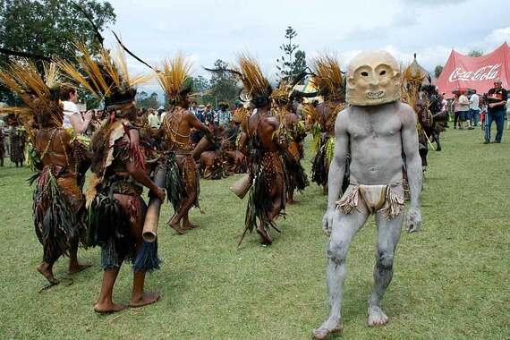 papua-new-guinea-garoka-sing-sistie moffitt.jpg