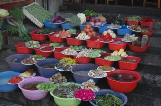 Visit the lively market in the oasis town of Dunhuang