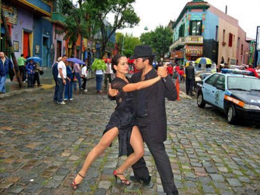 Enjoy a tango show today