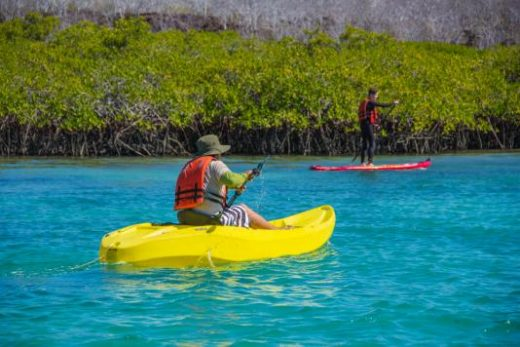 Kayak or SUP on Itabaca Channel (Photo: Monica Paez E.)