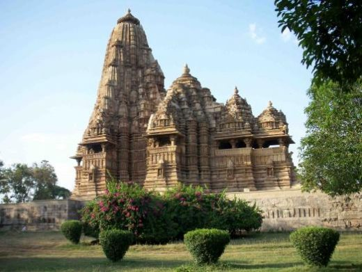 There are many intricate Jain temples in Khajuraho