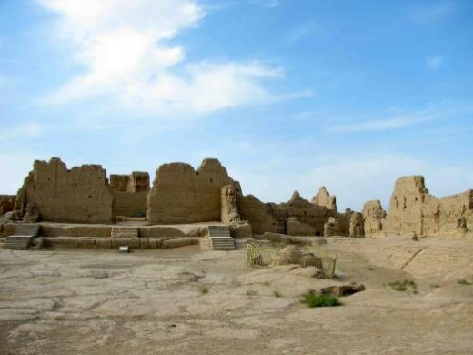 See the temple ruins at Jiaohe