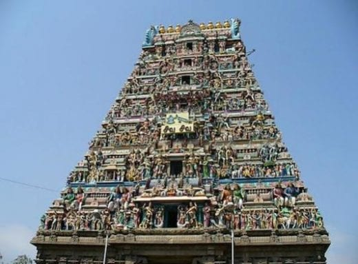 Visit the famous Kapaleeshwarar Temple