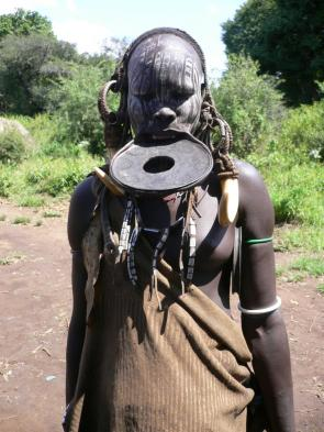 Meet Mursi women and their tribes people
