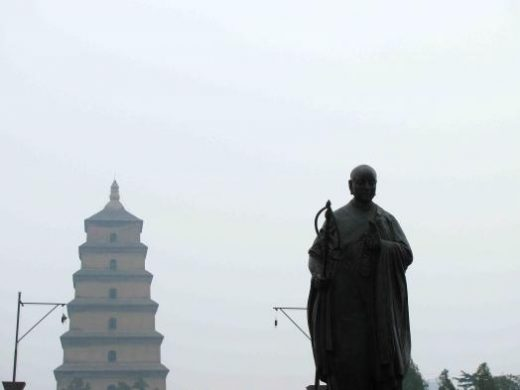 Statue of Xuanzang in the foregound of the Wild Goose Pagoda
