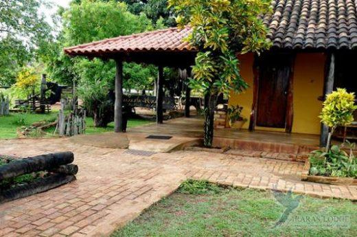 Cozy Araras Eco Lodge awaits you