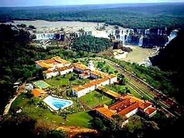 Hotel das Cataratas within the national park