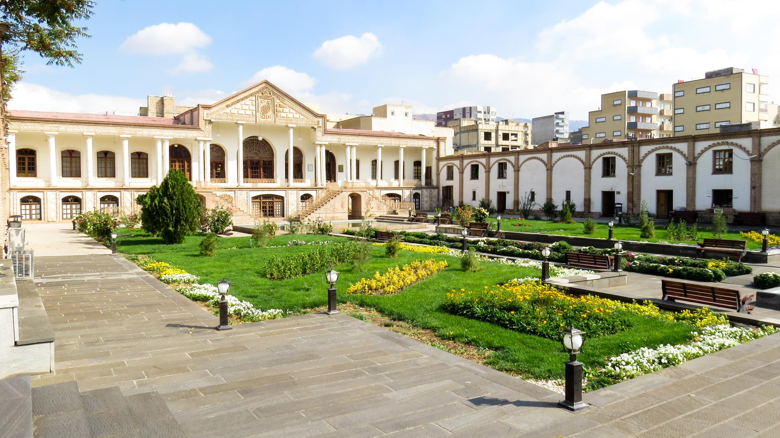 Courtyard garden of Iran building