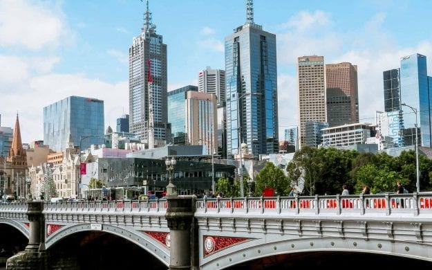 View past bridge of Melbourne, Australia skyline
