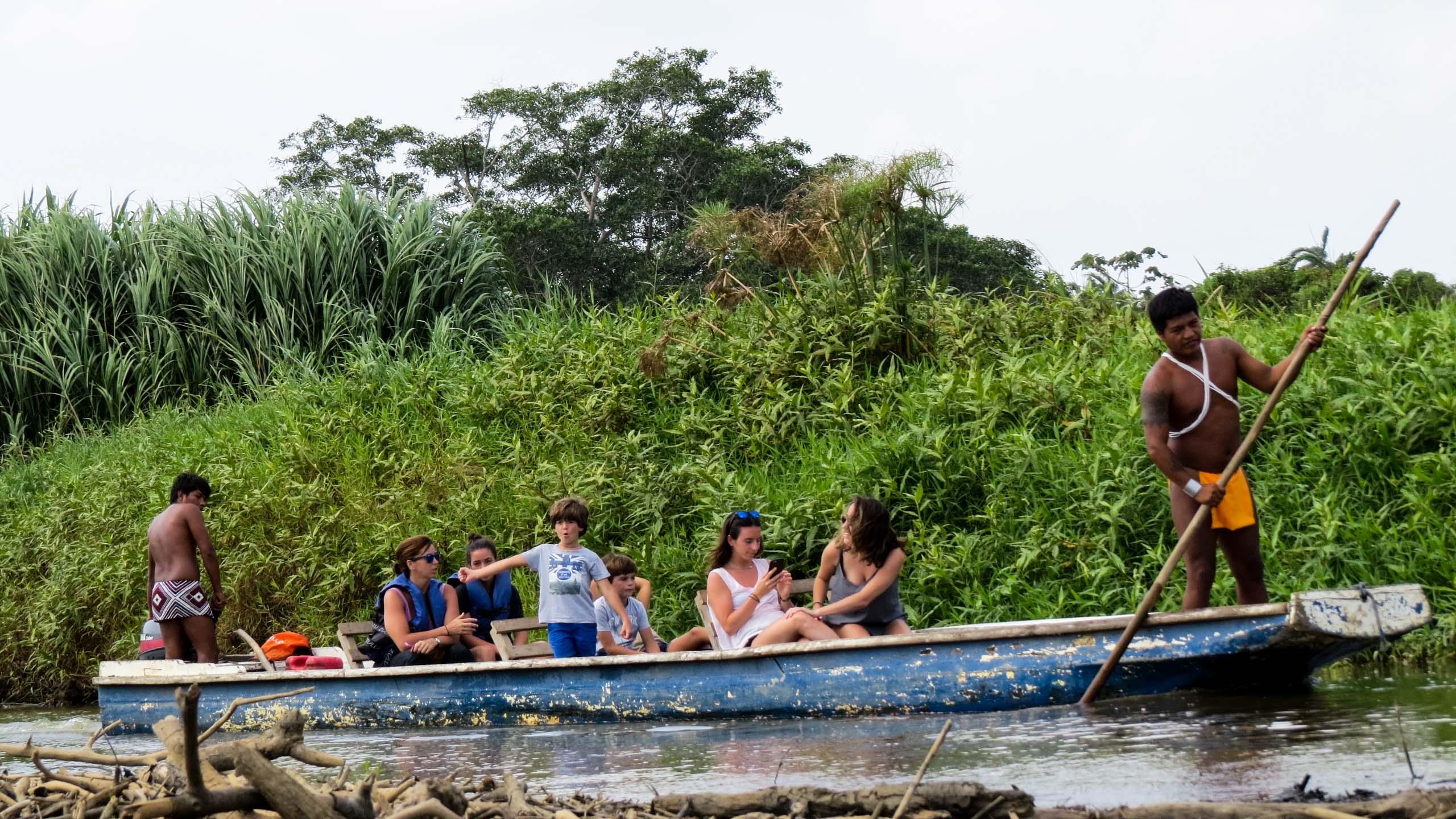 Family takes boat tour on Panama trip