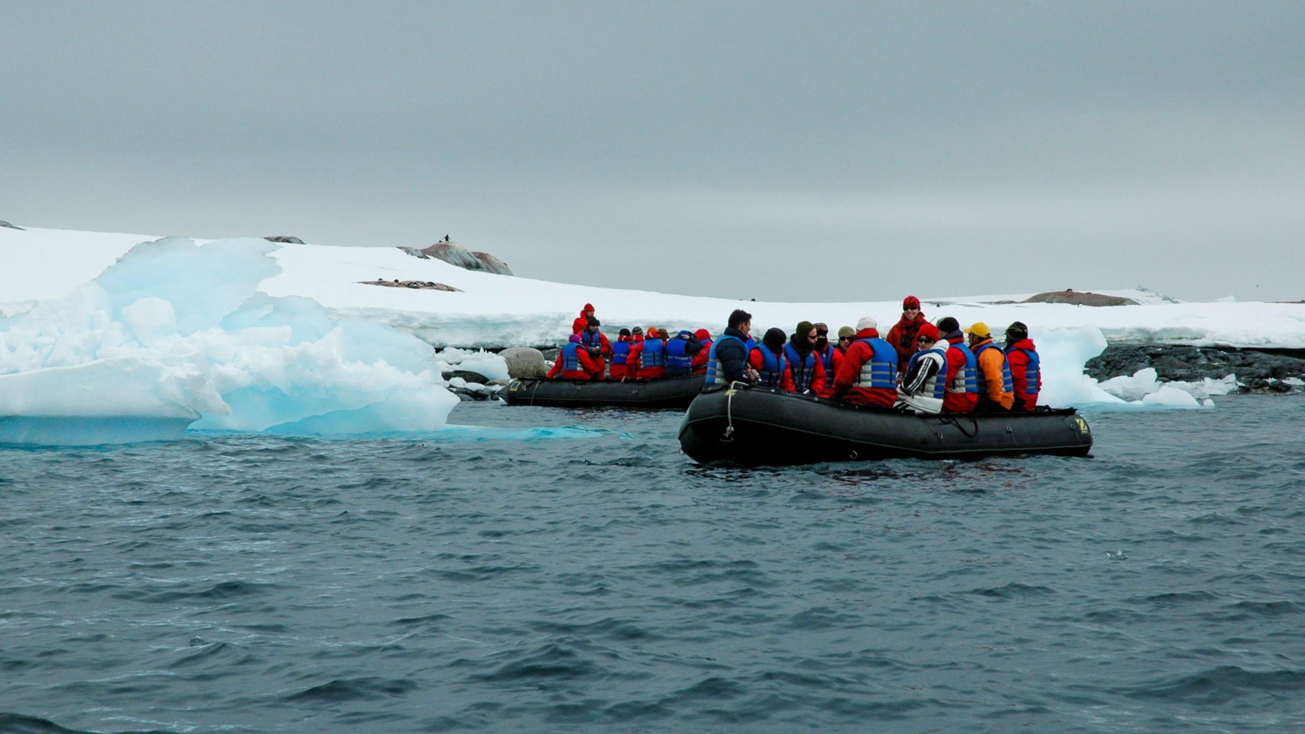 Traveler group rafts in Antarctica