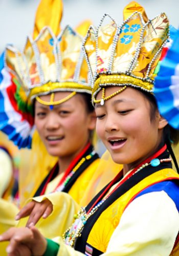 Tibetan women perform at Shoton Festival