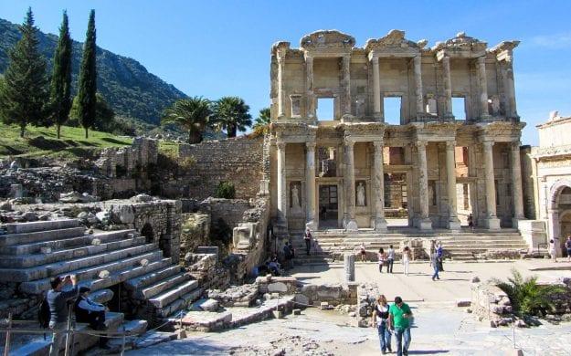 Travelers explore Turkey ruins