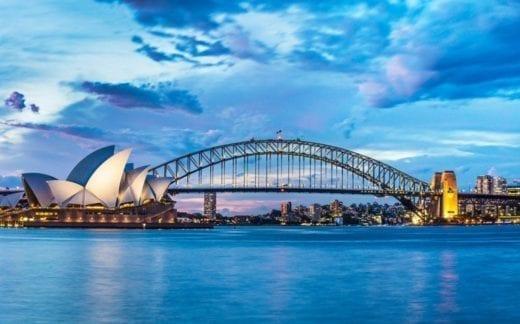 Sidney Opera House and bridge